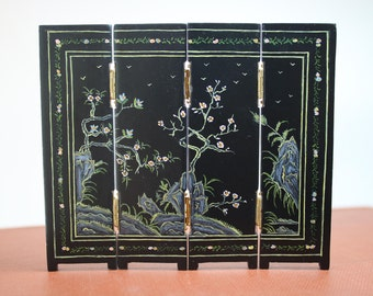 Dollhouse Miniature Hand Painted Chinoiserie Half Scale Folding Screen by JBM Miniatures  (1/24 Scale)