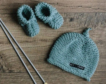 Baby Gift Set for Boy or Girl - Hand Knit Baby Beanie and Baby Booties for Newborn to 3 Months