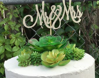 Mr & Mrs Cake Topper, Wedding Cake Topper, Custom Cake Topper for Wedding