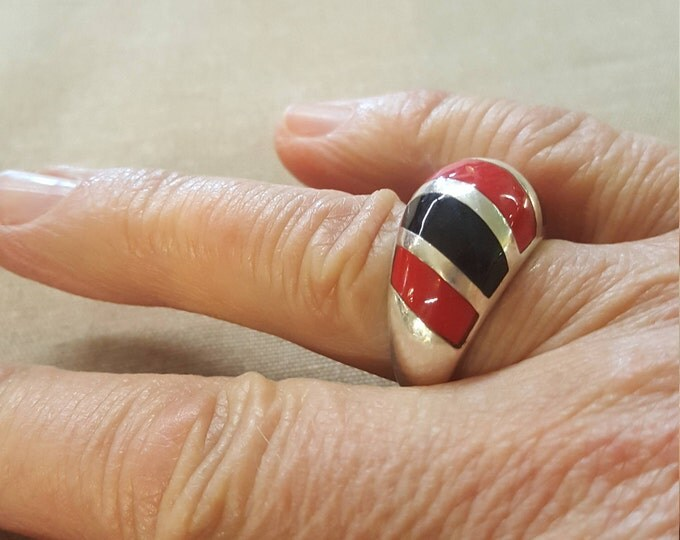 On Sale - Vintage Sterling Silver Black and Red Stripes Bands Modern Ring US size 8