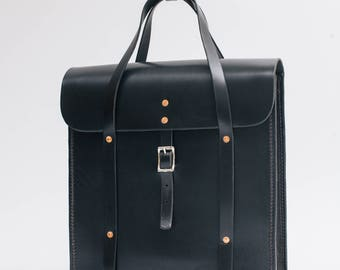 Handle Bag Vertical, big businessbag, vegetable tanned leather, thick leather, black, nature, cognac