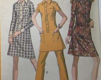 McCall 2493 Vintage sewing pattern / 1970s Retro Sheath dress or top and pants / Size 12 Bust 34