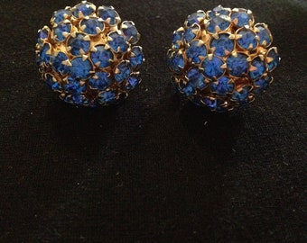 1 Pair Vintage 1950's Blue Rhinestone Cluster Screw Back Clip on Earrings Gold Tone Clasps Hardware Mid Century Costume Jewelry