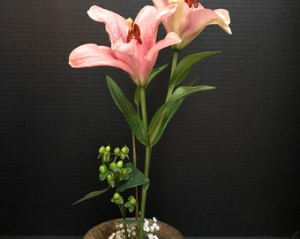 Ikebana Vase // Flower Arrangements