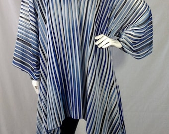 Blue and white stripe vneck Luna Top O/S
