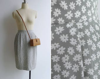 10-25% OFF Code In Shop - Vintage 90's 'Baby's Breath' Celadon Green Floral Tulip Skirt XS or S