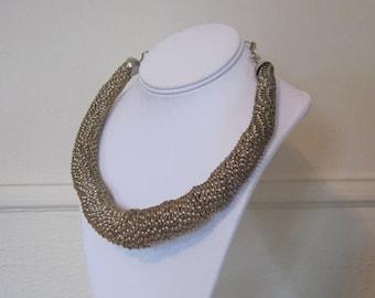 twisted metal, Vintage 1980s TUBULAR Goldtone COIL Necklace