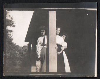 Vintage Snapshot Photo Three Girls Peeking Around Post 1910's, Original Found Photo, Vernacular Photography