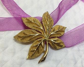 Trifari Gold Tone Leaf Brooch, Crown Trifari Brushed Gold Tone Leaf Pin, 6 Leaf Textured Brooch, Gold Leaf Brooch