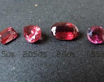 Pink red Rhodolite garnets from Taïta mines, Kenya. #4RHD