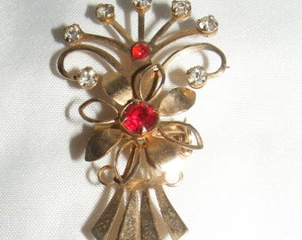 Gold Tone Floral Brooch or Pendant