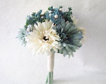 Blue Bridesmaid Bouquet, Maid of Honour Bouquet, Pearl Wedding Bouquet, Ivory Daisy Wedding Bouquet, Floral Bouquet, Rustic Wedding Bouquet