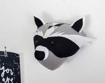 Felt raccoon, raccoon head, raccoon animal head, raccoon gift ideas, woodland animal, woodland nursery, monochrome nursery, babies room