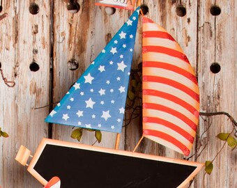 SALE!! Americana Sail Boat/Wreath Supplies/Patriotic Decor/A7006