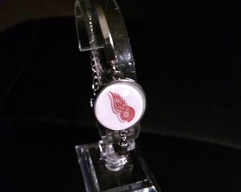 NHL Detroit Redwings Hockey Silver Alloy Bangle Bracelet