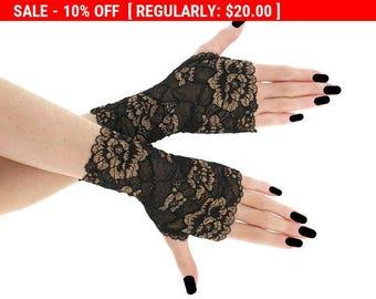 Lace black short fingerless gloves, bridal wedding wrist warmers burlesque goth vintage womens evening gloves, black lace glove 0185J