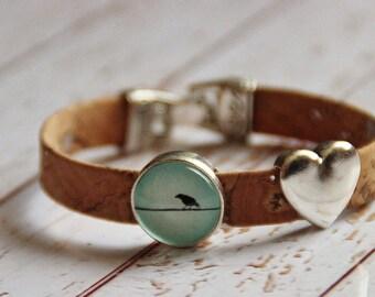Bracelet made of cork and glass bird