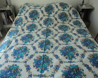 Vintage blue and white floral bedspread or throwover  (05592)
