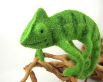 Gift-for-him decoration chameleon needle felted felt soft sculpture OOAK reptile figurine lizard home decor animals green fiber art tafio