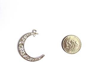 1 Silver Crescent Moon Charm, Silver Moon Pendant, Filigree Moon Charm, Filigree Crescent Moon, Astronomy Charm, Astrology Charm Silver Moon