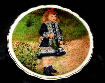 A collectable decorative plate