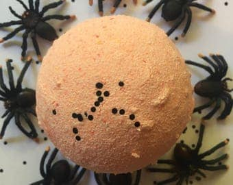 Halloween Bath Bomb, Surprise Spider Inside!, Pumpkin Bath Bomb, Kids Bath Bomb, Halloween Gift, Unisex Bath Bomb, Prank Gift