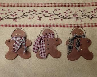 Gingerbread Man Ornament Set (3)