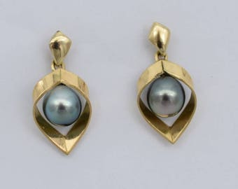 9.5 mm Natural green/black Tahitian cultured pearl earrings in hand-fabricated 18k gold open leaf design