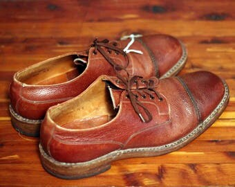 The True Gentlemen Oxfords: 1940s-1950s Rare Vintage Veldschoen Cap Toe Derby Men's Shoes - Made in the UK - Size 7.5 E