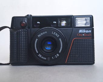 Nikon One Touch L35AF F2.8 35mm Point and Shoot Camera WORKING