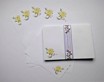 Peony Design Writing Paper and Co-ordinating Envelopes Pack (Yellow)