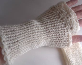 MID: mi-crochet mi-tricot mittens!