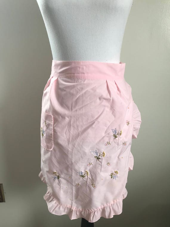 Pink Vintage Embroidered Floral Apron with One Pocket and Frilly Hem