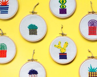 Cactus and Succulent Embroidery Stitchy Friday - Tiny embroidery art with cacti and succulents in hoop - Christmas gift for her - Gift ideas