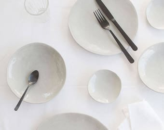 Everyday Grey Medium Plate Set of 4