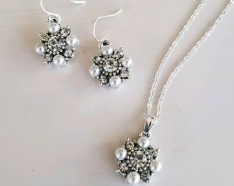 Rhinestone and Pearl necklace earring set