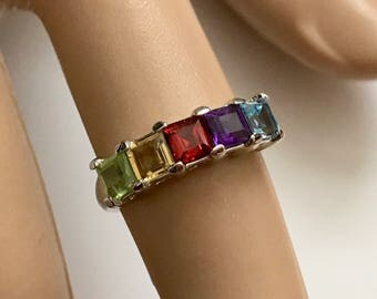 Vintage Princess Cut Multi Gemstone Peridot Citrine Garnet Amethyst Blue Topaz Sterling Silver Band Ring - Size 6.5