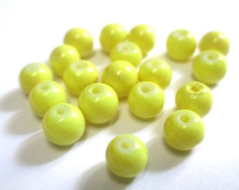 20 yellow painted glass (C-12) 6mm beads
