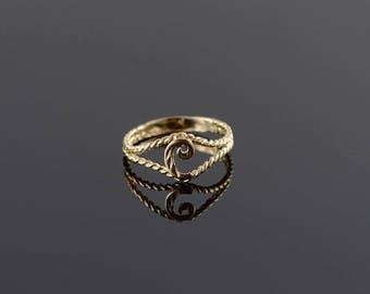 10k C Monogram Letter Initial Rope Ring Gold