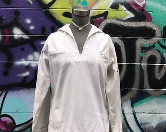 B40 / 1930s Sailor Collar Middy Blouse / Sailor Top / Tunic