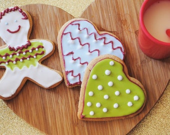 Iced Christmas gift gingerbread/heart biscuit