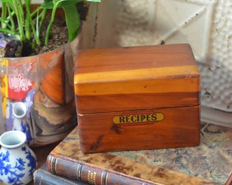 Vintage wooden recipe box// Art Deco recipe box// vintage kitchen