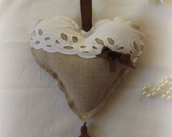 Beautiful heart wall hanging in linen and broderie Anglaise
