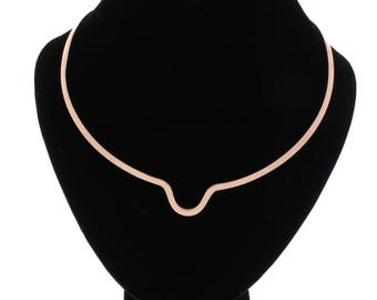 Shiny Copper Notched With A Scoop In The Center Choker Collar Necklace Wire