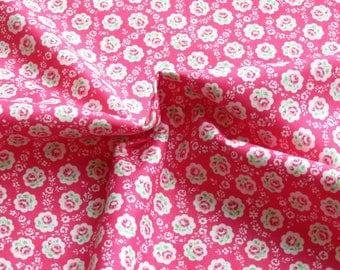 NEW ~ 1/2 yard Yuwa Atsuko Matsuyama Japan | Floral Scallop | AT826378 Hot Pink