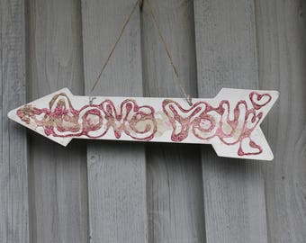 Decoration arrow, note, love you