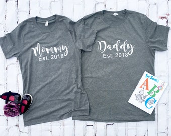 Gender Reveal, Mommy Daddy Shirts, Custom Mommy Daddy T-shirts, Gender Reveal Party Ideas, Mom and Dad Shirt, Pregnancy announcement, Baby
