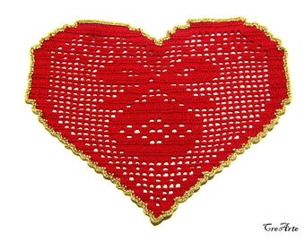 Red Christmas crochet heart doily, Christmas table decorations, centrino rosso a cuore per Natale