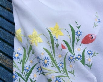 Tablecloth Hand Embroidered Vintage Spring Daffodils Tulips Floral
