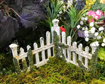 Miniature Corner Picket Fence - Choice of 3 Colors!